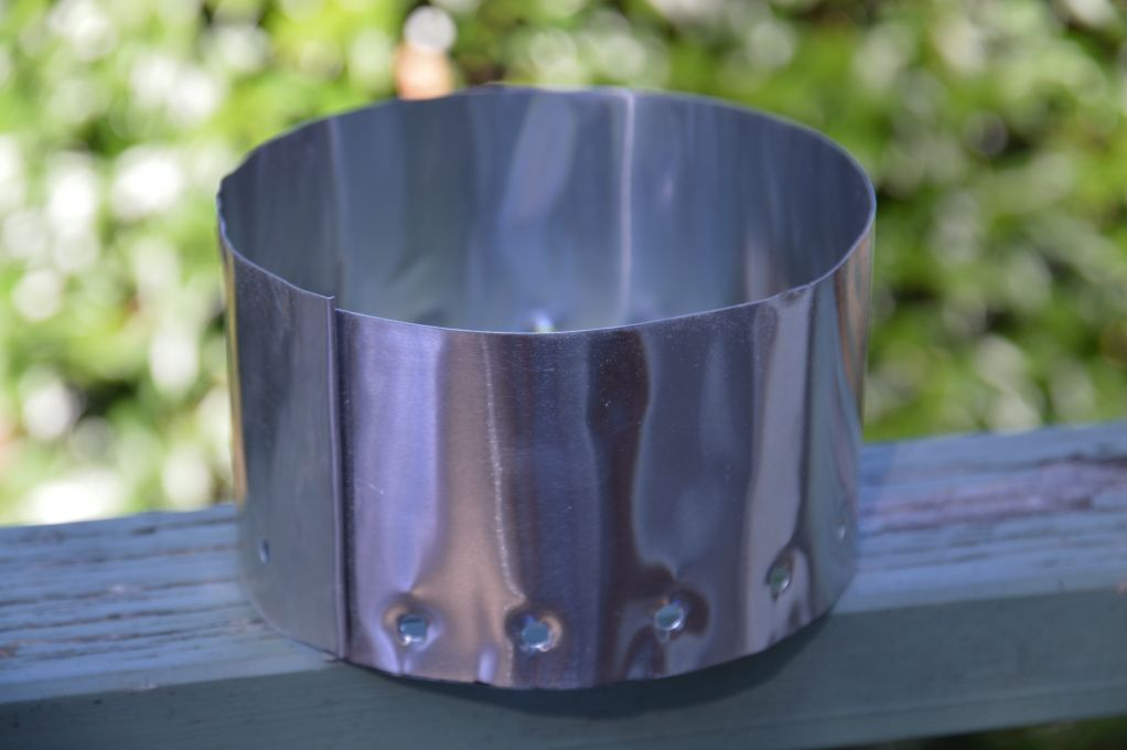 Lightweight aluminium heat shield for beer can stove
