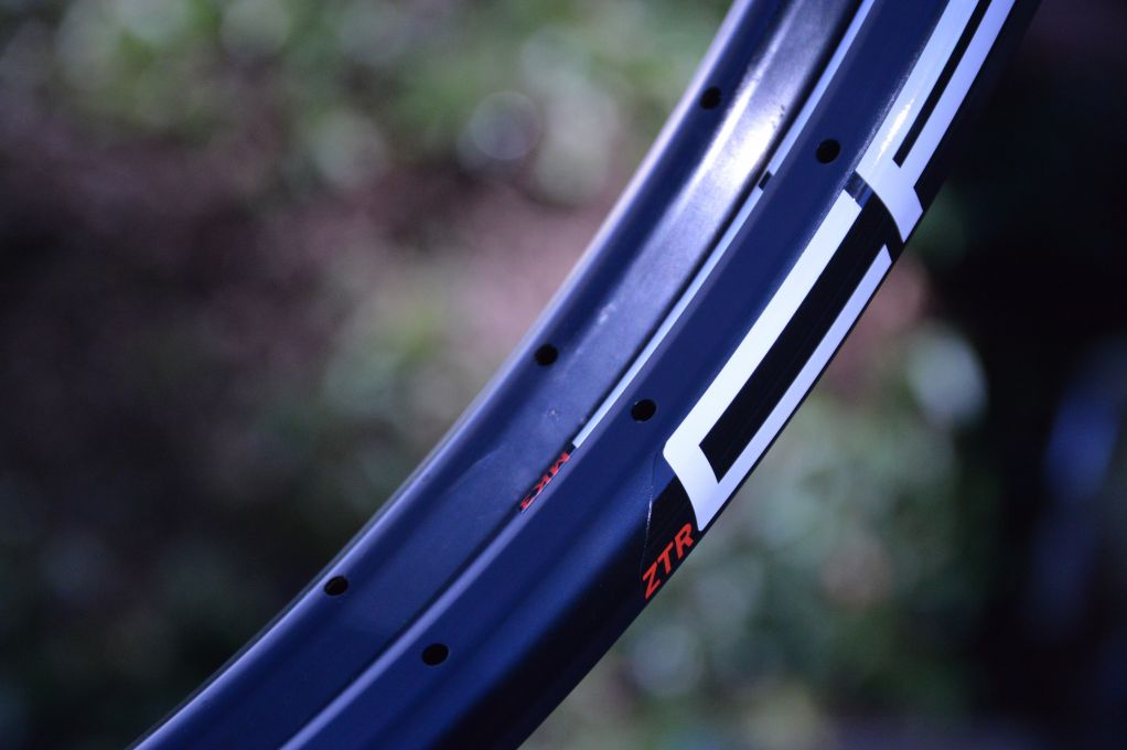 Stans/NoTubes Crest and Crest MK3 rims side by side showing difference in profile