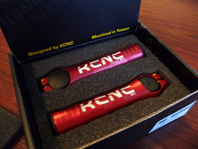 Picture of KCNC BE1 bar ends in red