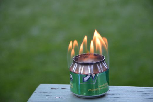 Alcohol stove made from cans
